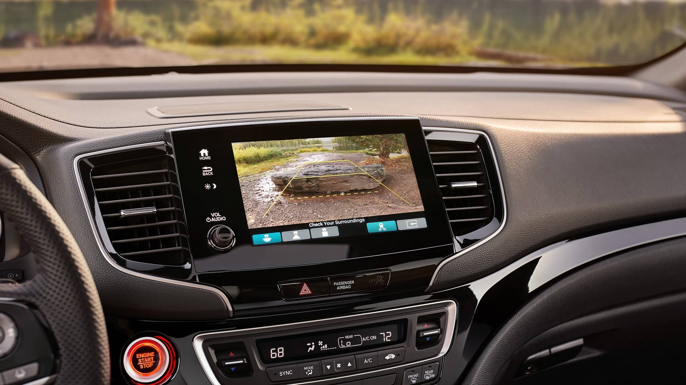 2019 Honda Passport Elite interior view of multi-angle rearview camera on the Display Audio touch-screen.