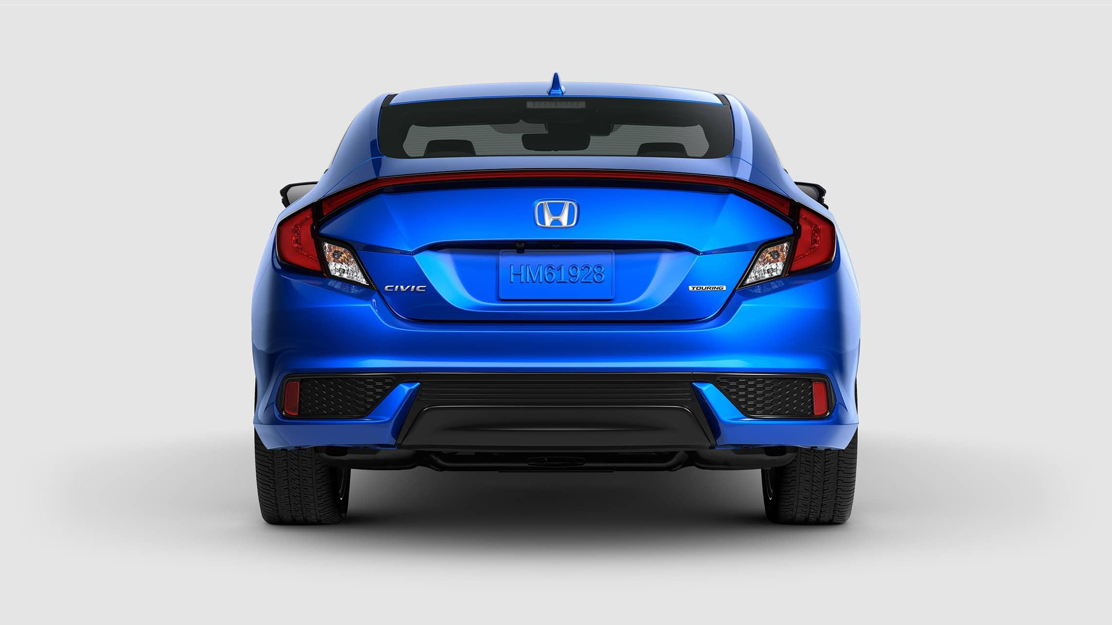 Vista trasera del Honda Civic Touring Coupé2020 en Aegean Blue Metallic.