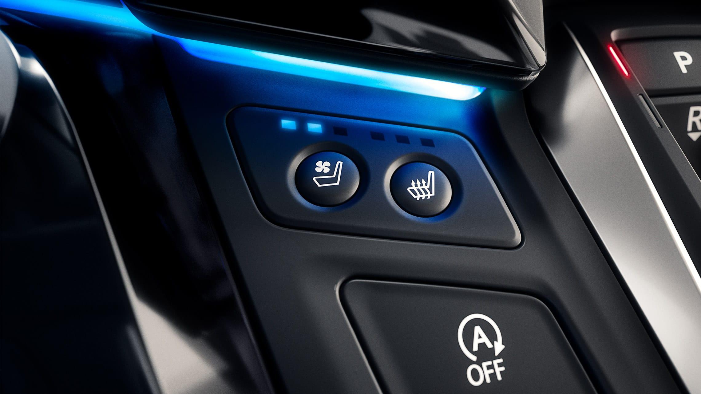 Detalle de los asientos delanteros con calefacción y ventilación en la Honda Odyssey Elite 2020.